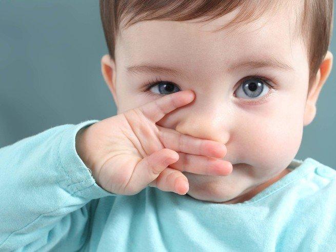 Отек носа без насморка у ребенка причины
