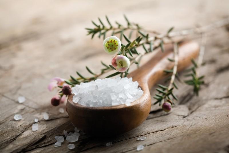 Эффективные методы лечения сильного насморка и чихания без температуры